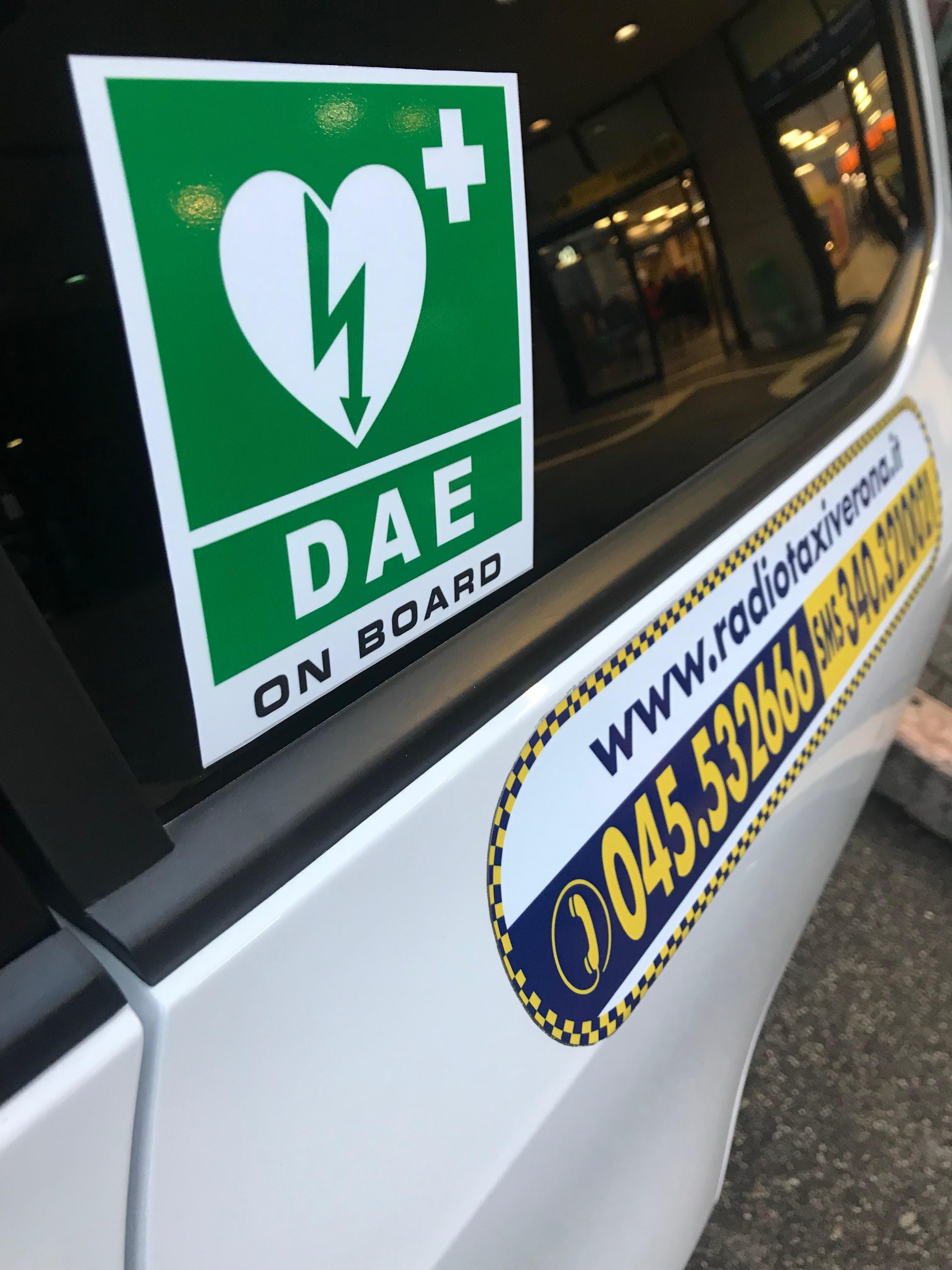 Accordo con il 118  A bordo dei taxi  arriva il defibrillatore